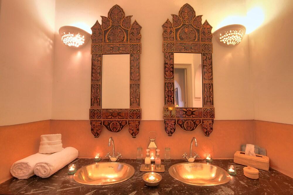 다르 라야 에프딜라(Dar Lalla F'Dila) Hotel Image 21 - Bathroom