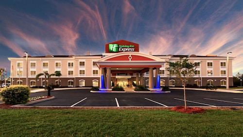 . Holiday Inn Express Lake Wales N-Winter Haven, an IHG Hotel