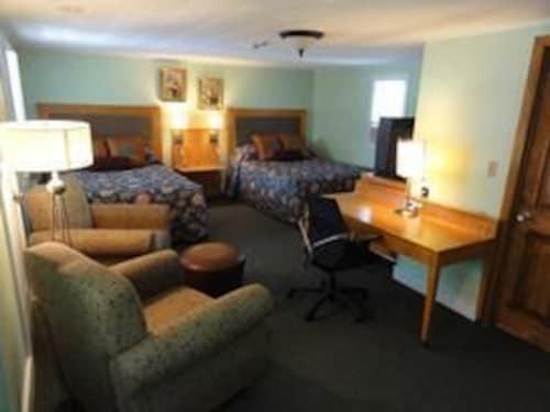 . Jonathan Edwards Motel