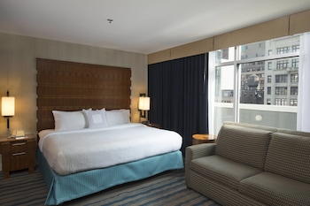 Guestroom at Fairfield Inn by Marriott New York Manhattan/Fifth Avenue in New York