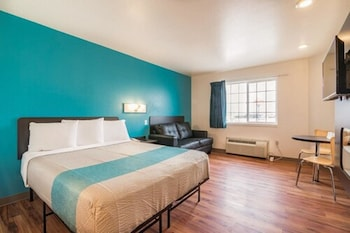 Superior Room, 1 King Bed, Non Smoking, Hot Tub