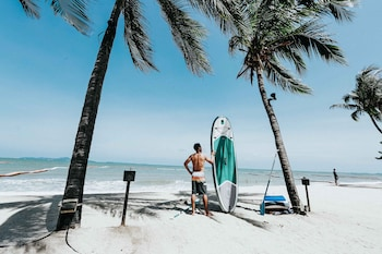 Surfing/boogie boarding