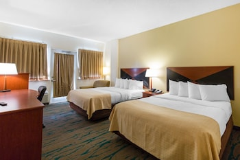 Guestroom at Gateway Hotel & Suites, Ascend Hotel Collection in Ocean City