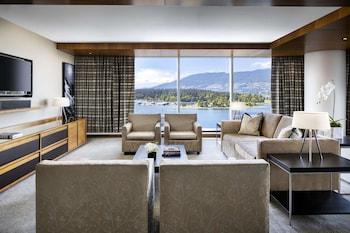 Fairmont Gold Corner Suite, 1 King Bed