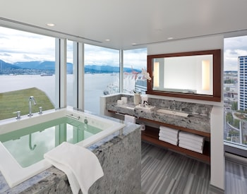 Signature Harbour View with Ofuro Tub Room, 1 King Bed