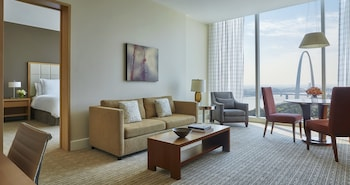 Suite, 1 Bedroom, Accessible (Arch View)