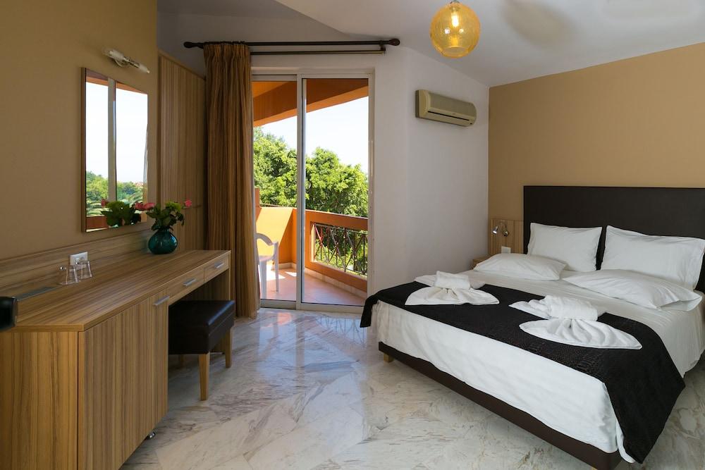 엘로샤 호텔(Elotia Hotel) Hotel Image 11 - Living Area