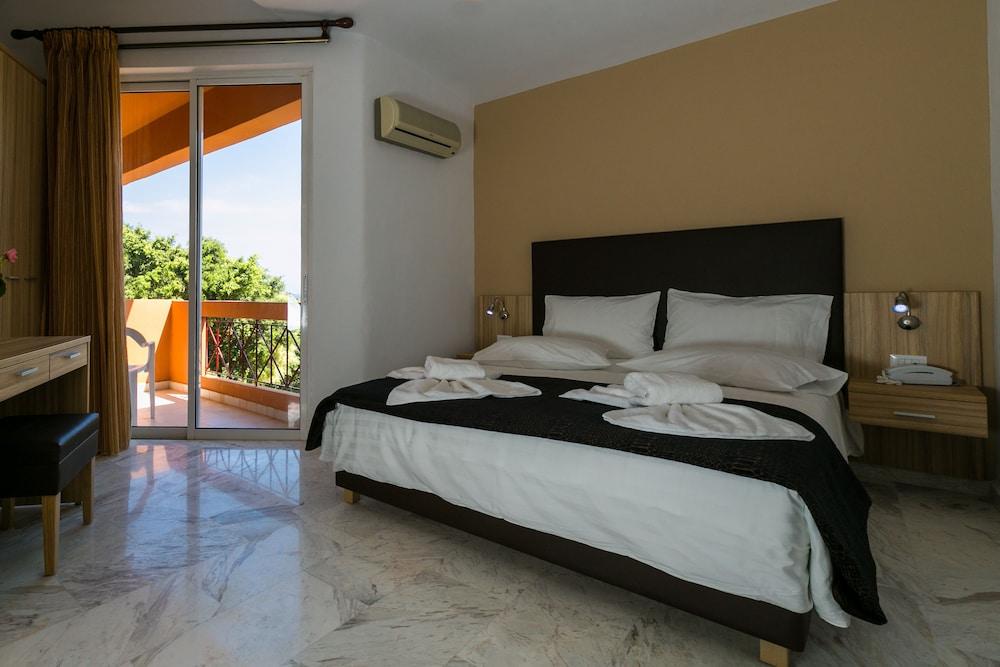 엘로샤 호텔(Elotia Hotel) Hotel Image 4 - Guestroom