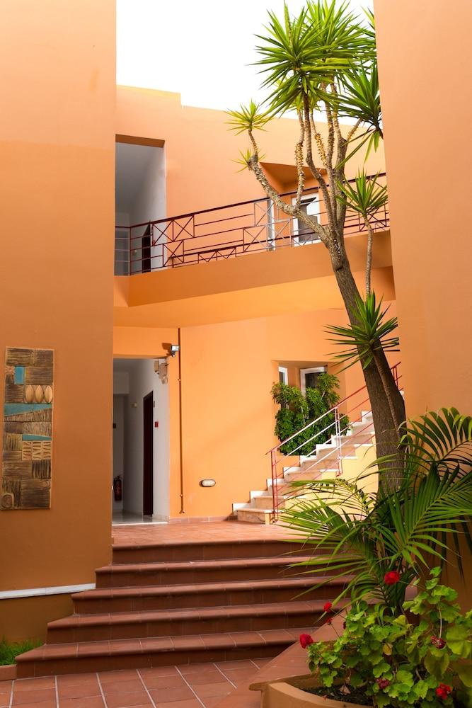 엘로샤 호텔(Elotia Hotel) Hotel Image 33 - Staircase
