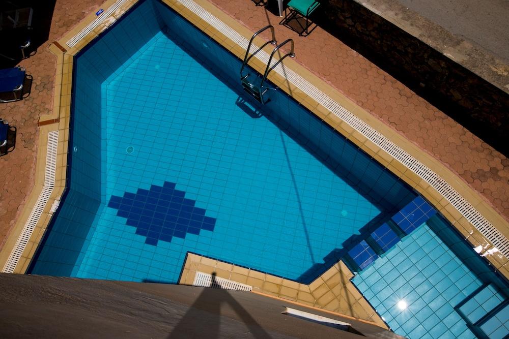 엘로샤 호텔(Elotia Hotel) Hotel Image 15 - Outdoor Pool