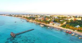 Hotel - El Taj Oceanfront & Beachside Condo Hotel