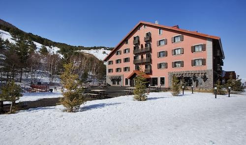 . Dedeman Erzurum Palandöken Ski Lodge