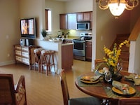 Townhome, 3 Bedrooms (3 bath)