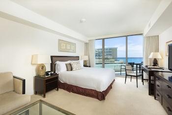 Deluxe Room, Partial Ocean View