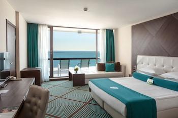 International & Casino Tower Suites