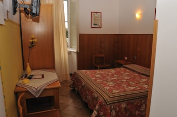 Double Room, 1 Double Bed, Shared Bathroom