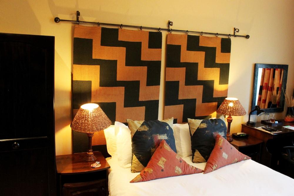 https://i.travelapi.com/hotels/3000000/2870000/2861300/2861219/dabe4d5c_z.jpg