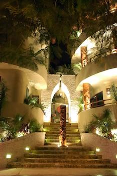 Hotel - Maya Villa Condo Hotel & Beach Club