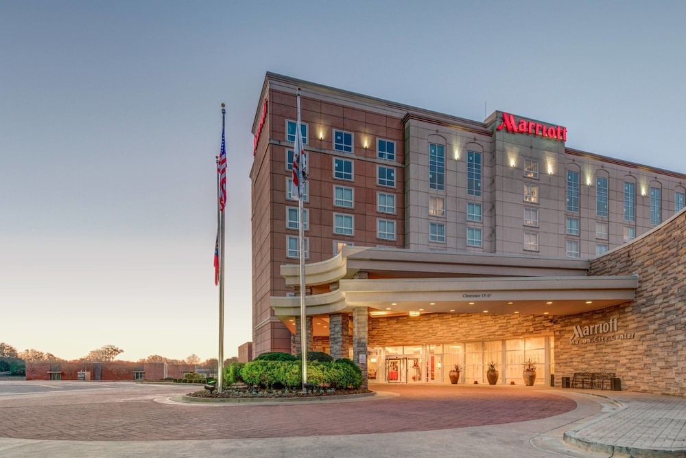 Exterior photo of the Marriott Macon City Center in Macon, GA