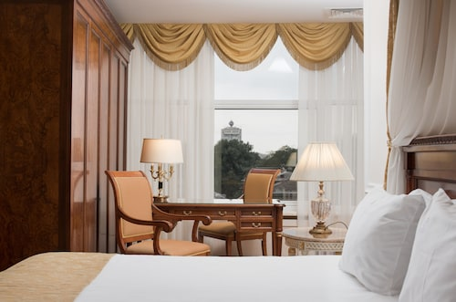 . Nobil Luxury Boutique Hotel