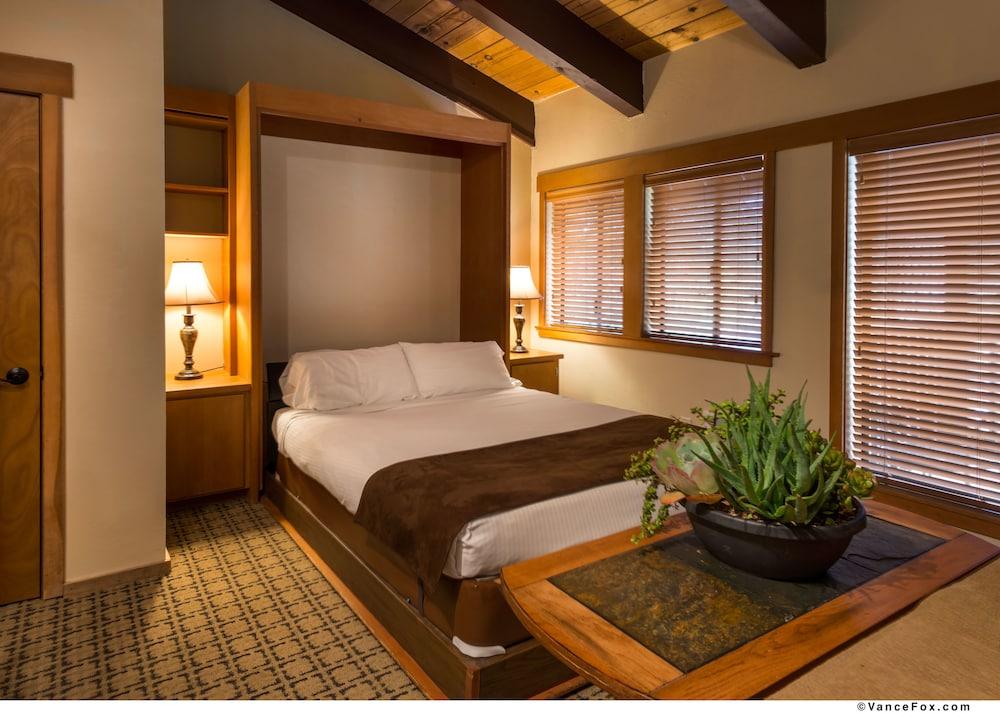 https://i.travelapi.com/hotels/3000000/2880000/2871000/2870996/3d6cccc1_z.jpg