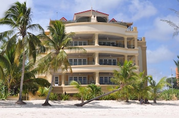 Hotel - White Sands Beach Condos