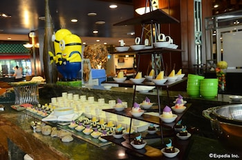 Jpark Island Resort & Waterpark Cebu Buffet
