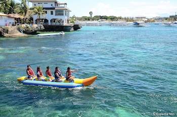 Jpark Island Resort & Waterpark Cebu Boating