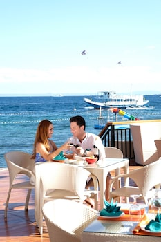 Jpark Island Resort & Waterpark Cebu Outdoor Dining