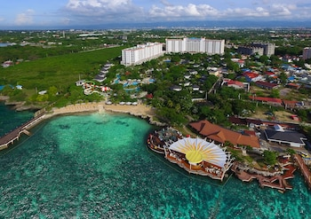 Jpark Island Resort & Waterpark Cebu City View