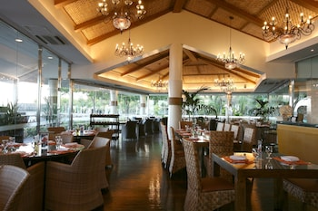 Jpark Island Resort & Waterpark Cebu Restaurant