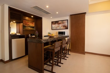 Jpark Island Resort & Waterpark Cebu Private Kitchenette