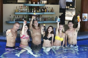 Jpark Island Resort & Waterpark Cebu Poolside Bar