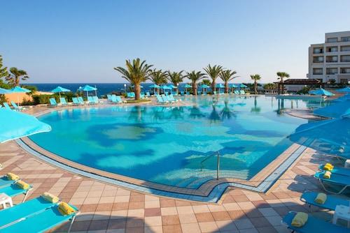. Iberostar Creta Panorama & Mare