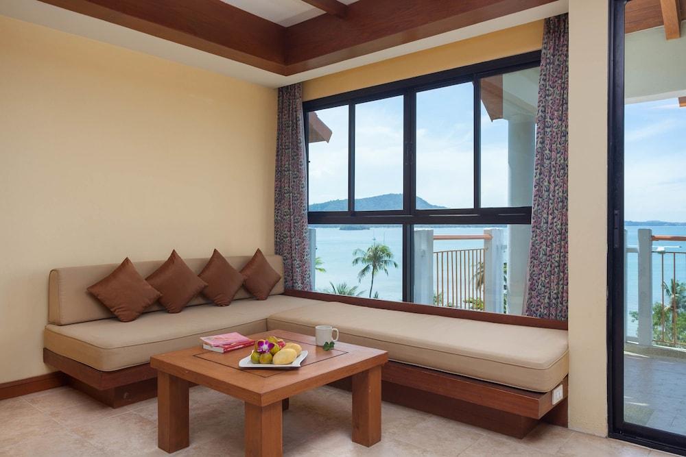 바이 더 씨(By the Sea) Hotel Image 9 - Living Area