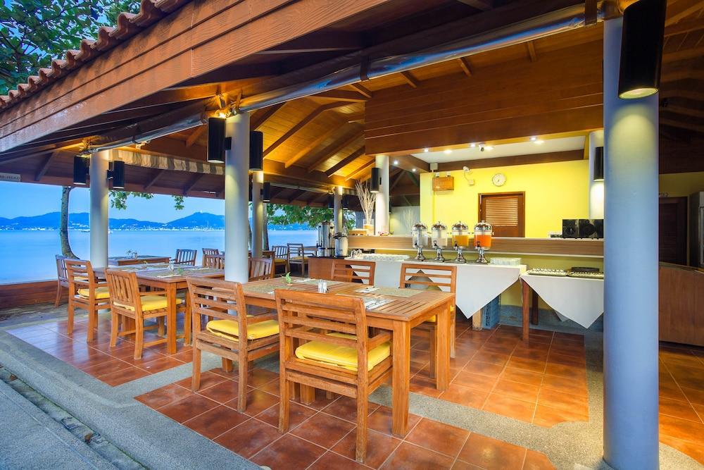 바이 더 씨(By the Sea) Hotel Image 33 - Hotel Lounge