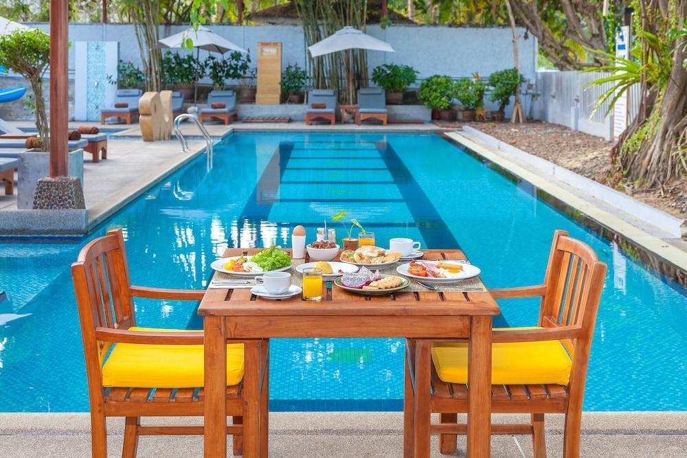 바이 더 씨(By the Sea) Hotel Image 40 - Outdoor Dining