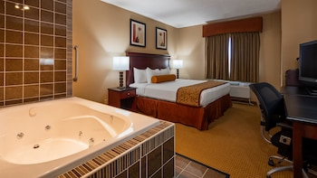 Signature Room, 1 King Bed, Jetted Tub