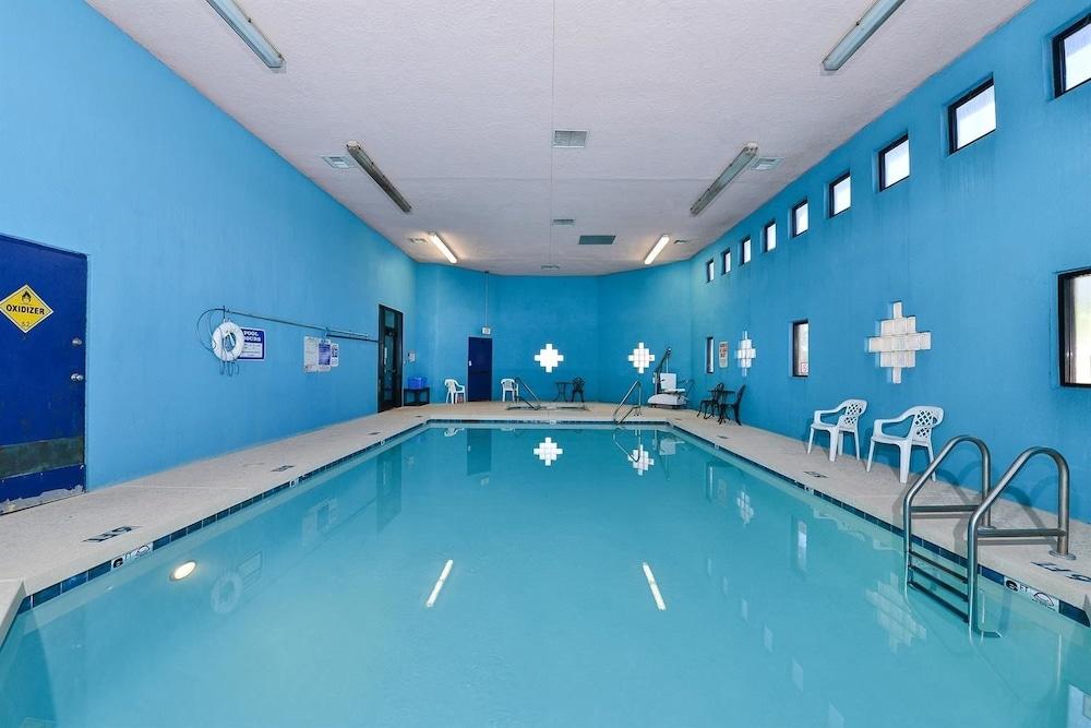 아메리카스 베스트 밸류 인 프레스콧 밸리(Americas Best Value Inn Prescott Valley) Hotel Image 9 - Indoor Pool