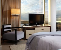 Deluxe Room, 1 King Bed, View (Skyline View)