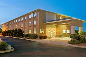 Hotel - Super 8 by Wyndham Gurnee