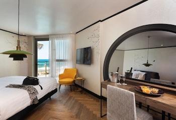 Tek Büyük Yataklı Oda, Balkon, Deniz Manzaralı