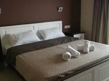 Superior Double Room, 1 Double Bed, Courtyard View, Executive Level