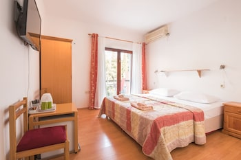 Hotel - Apartments Karacic