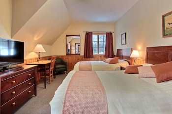 Comfort Room with 2 Double Beds at the Caribou Pavilion