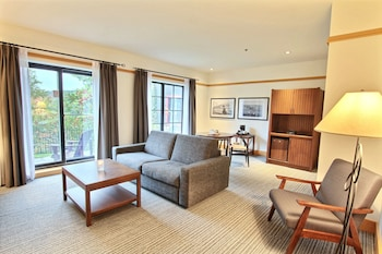 Duchesnay Suite with 1 King Bed & Lake View