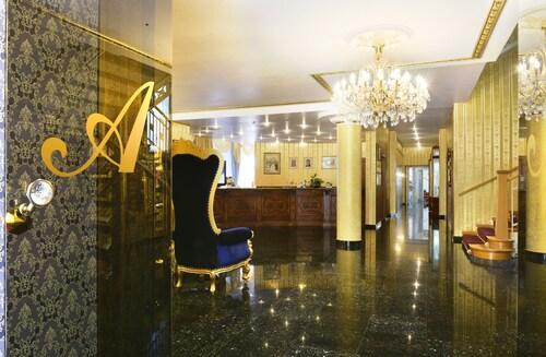 . Hotel Alexandra