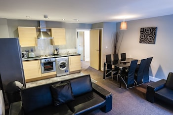 Two Bedroom Apartment with two sofa-beds (sleeps 6)