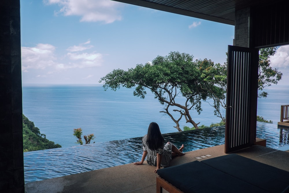 https://i.travelapi.com/hotels/3000000/2900000/2898300/2898282/0814c3de_z.jpg