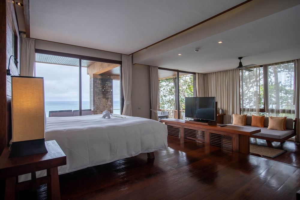 https://i.travelapi.com/hotels/3000000/2900000/2898300/2898282/2b0a60b8_z.jpg